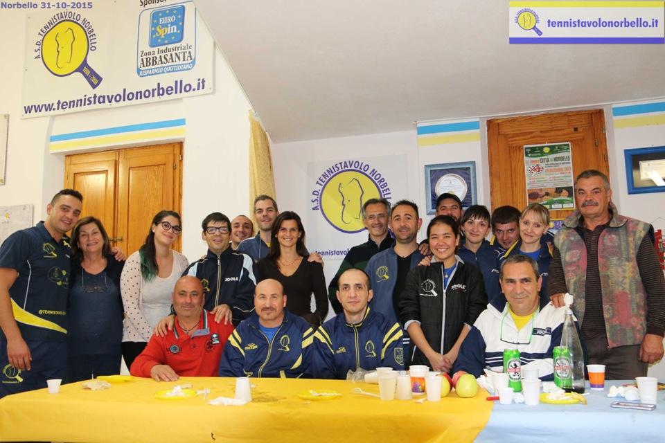 Foto di gruppo in sede (Foto Gianluca Piu)